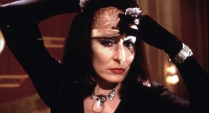 the-witches-br1990-angelica-huston-700x378